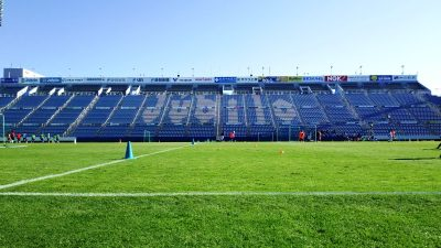 フィールドからバックスタンド|ヤマハスタジアム(磐田)